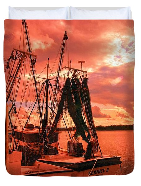 Duvet Cover featuring the photograph Bernice And Bubba by Dennis Baswell
