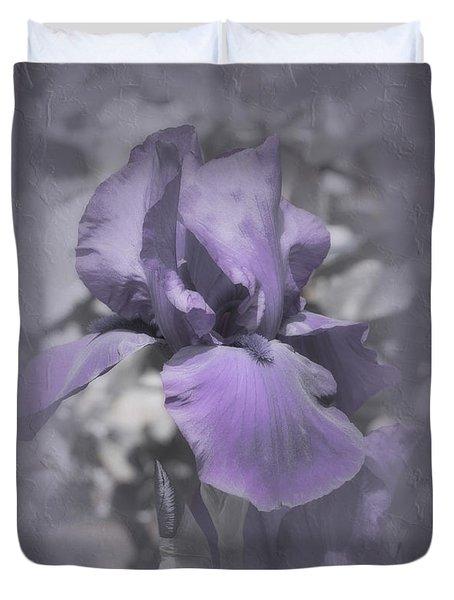 Duvet Cover featuring the photograph Bess by Elaine Teague