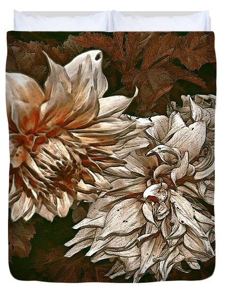 Duvet Cover featuring the photograph Betty's Beauty 1 by Don Wright