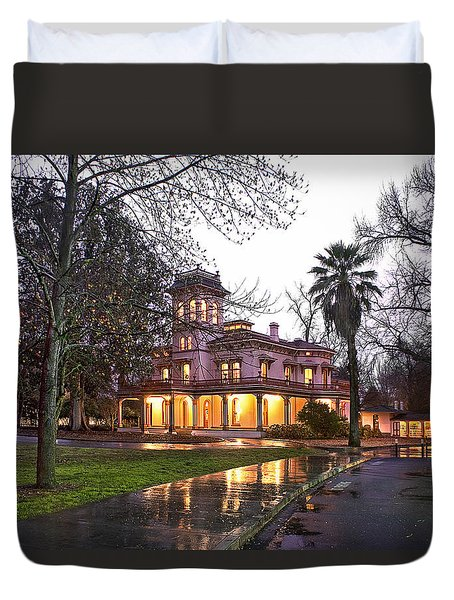 Bidwell Mansion In The Rain  Duvet Cover