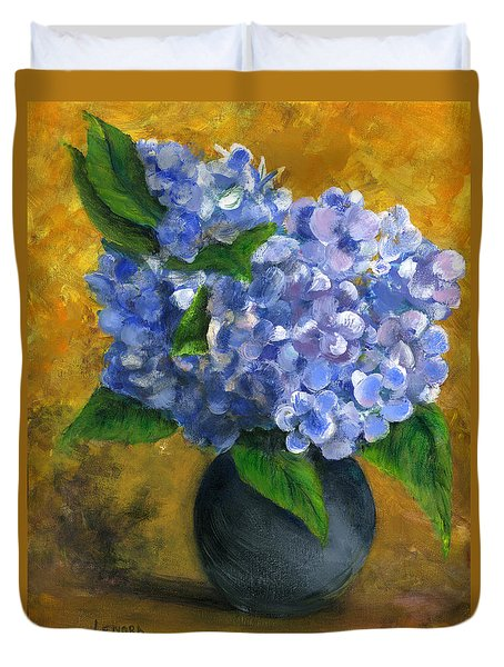 Big Hydrangeas In Little Black Vase Duvet Cover