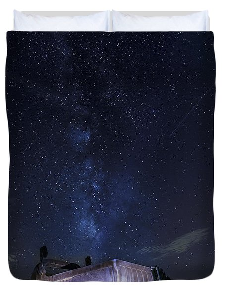Big Muskie Bucket Milky Way And A Shooting Star Duvet Cover