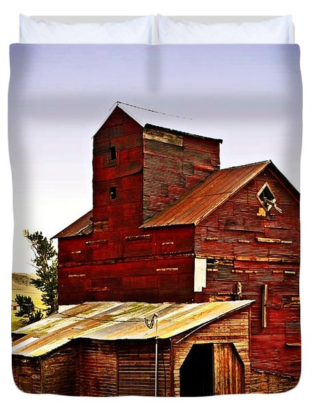 Big Red Grain Elevator Duvet Cover by Marty Koch