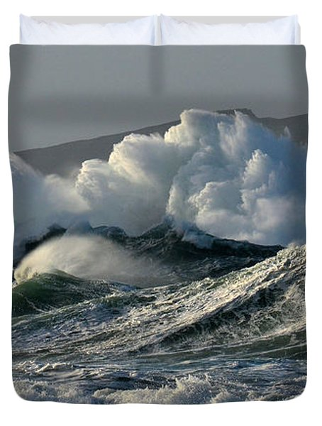 Big Waves At Clogher Beach Duvet Cover