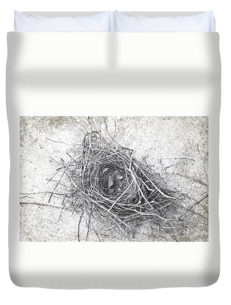 Duvet Cover featuring the photograph Bird Nest In Black And White by Suzanne Powers
