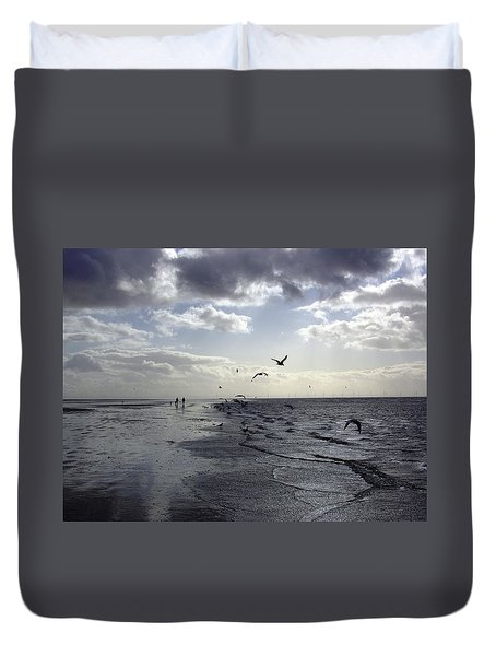 Birds At The Beach 2 Duvet Cover