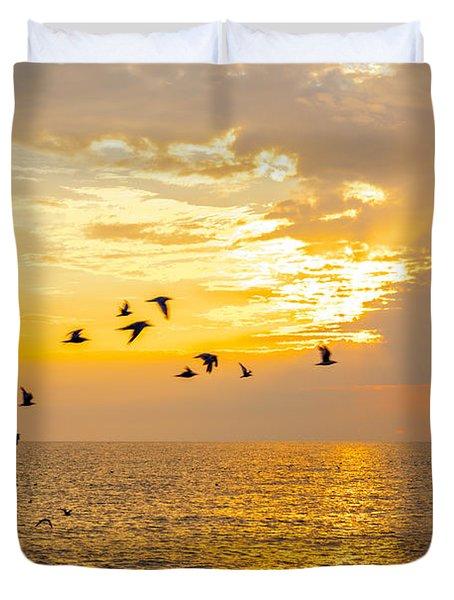 Birds In Lake Erie Sunset Duvet Cover
