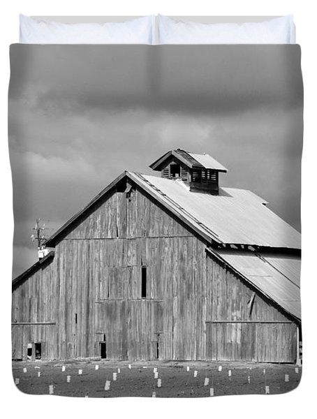 Duvet Cover featuring the photograph Black And White Barn by Debby Pueschel