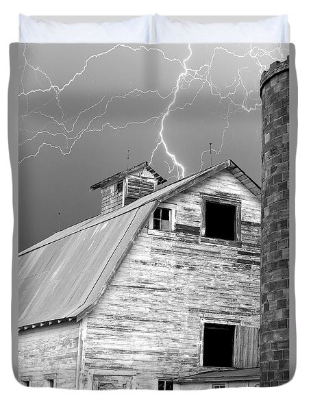 Black And White Old Barn Lightning Strikes Duvet Cover
