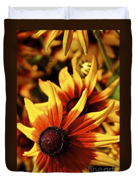Duvet Cover featuring the photograph Black Eyed Susan by Linda Bianic