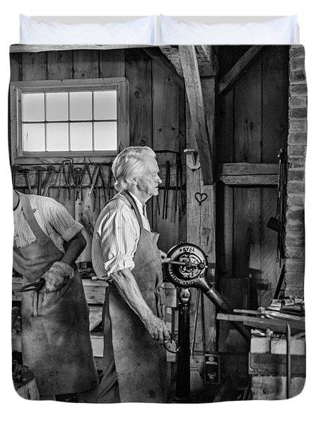 Blacksmith And Apprentice 2 Bw Duvet Cover by Steve Harrington