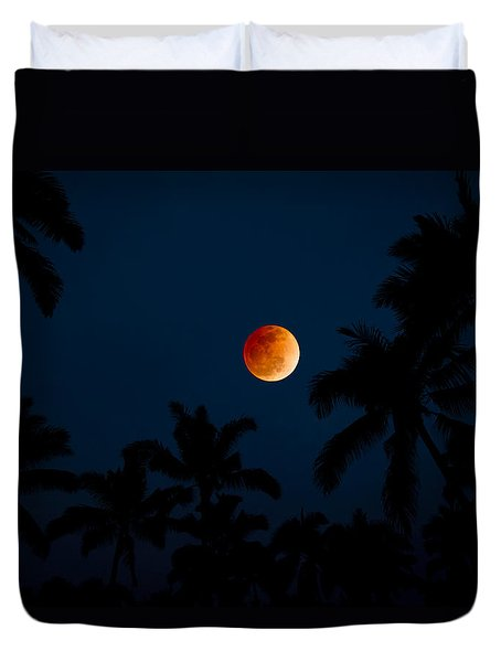 Blood Moon In The Tropics Duvet Cover