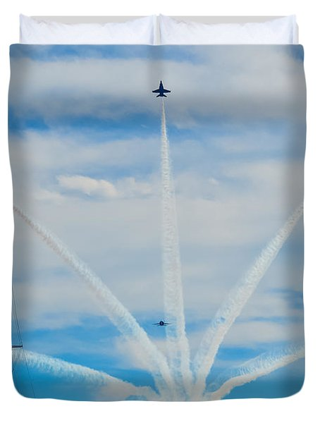 Blue Angels Bomb Burst In Air Over Fort Mchenry Finale Duvet Cover