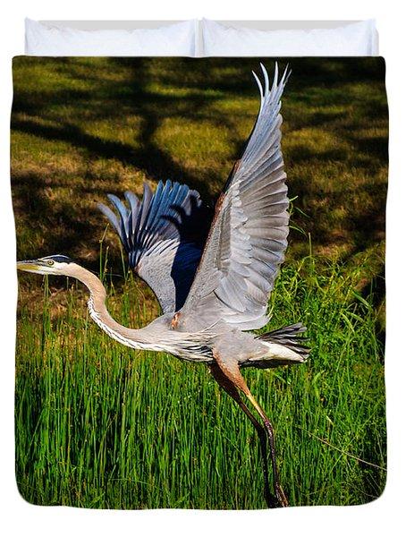 Blue Heron In Flight Duvet Cover