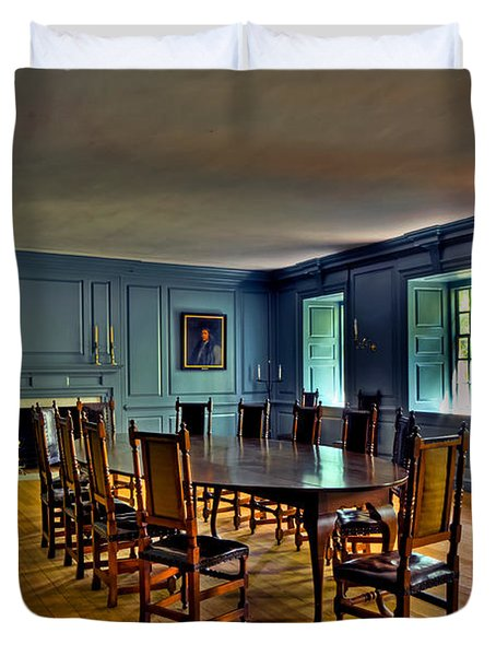 Duvet Cover featuring the photograph Blue Room Wren Building by Jerry Gammon