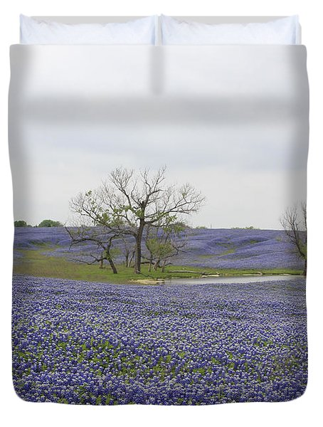 Duvet Cover featuring the photograph Bluebonnet Oasis by Jerry Bunger