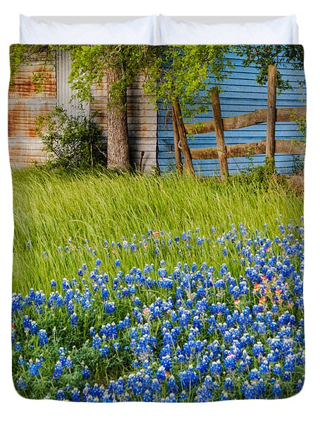 Bluebonnets Swaying Gently In The Wind - Brenham Texas Duvet Cover