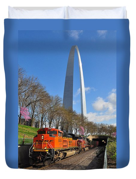 Bnsf Ore Train And St. Louis Gateway Arch Duvet Cover
