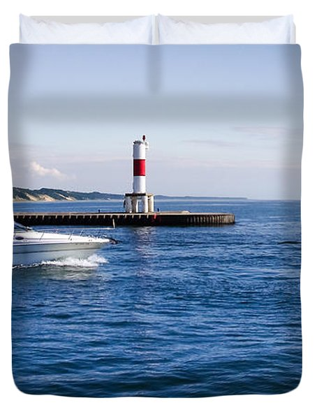 Duvet Cover featuring the photograph Boat At Holland Pier by Lars Lentz