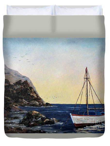 Boat In Maine Duvet Cover by Lee Piper