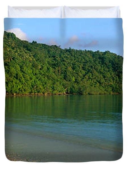 Boat In The Sea, Loh Dalam Bay, Phi Phi Duvet Cover