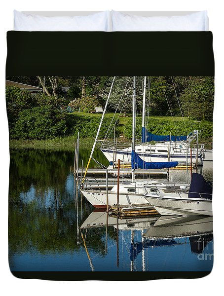 Boat Reflections In Cape Cod Hen Cove Duvet Cover by Eleanor Abramson
