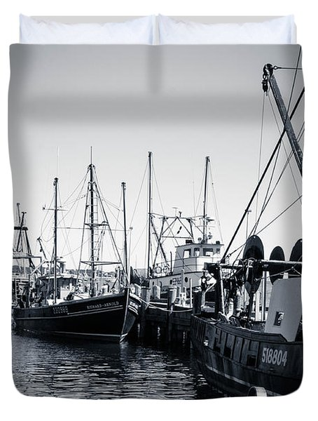 Boats At The Pier  Duvet Cover by Brian Caldwell