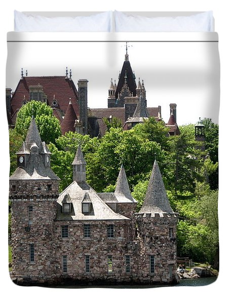 Boldt Castle And Powerhouse Duvet Cover by Rose Santuci-Sofranko