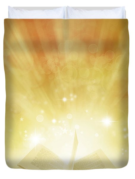 Book Of Dreams Duvet Cover by Les Cunliffe