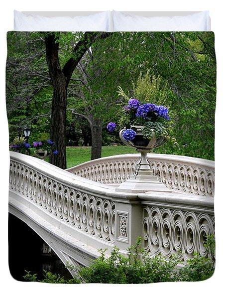 Bow Bridge Flower Pots - Central Park N Y C Duvet Cover