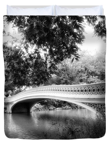 Bow Bridge In Black And White Duvet Cover
