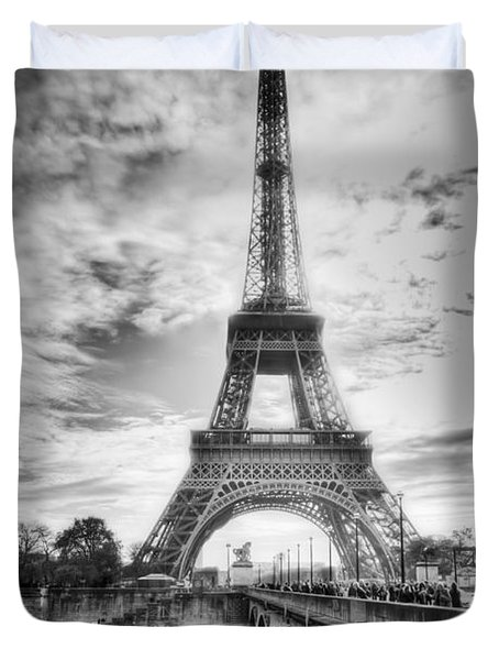 Bridge To The Eiffel Tower Duvet Cover