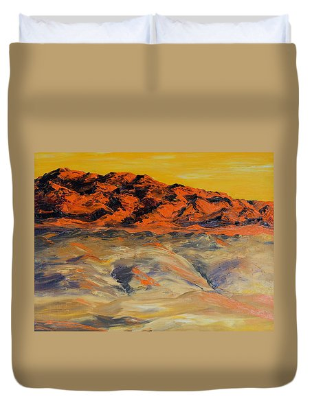 Brilliant Montana Mountains And Foothills Duvet Cover
