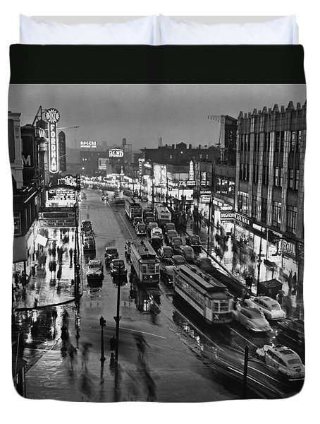 Bronx Fordham Road At Night Duvet Cover by Underwood Archives