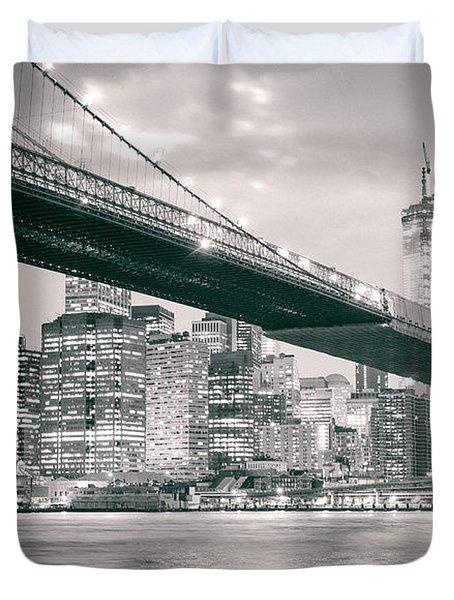 Brooklyn Bridge And New York City Skyline At Night Duvet Cover