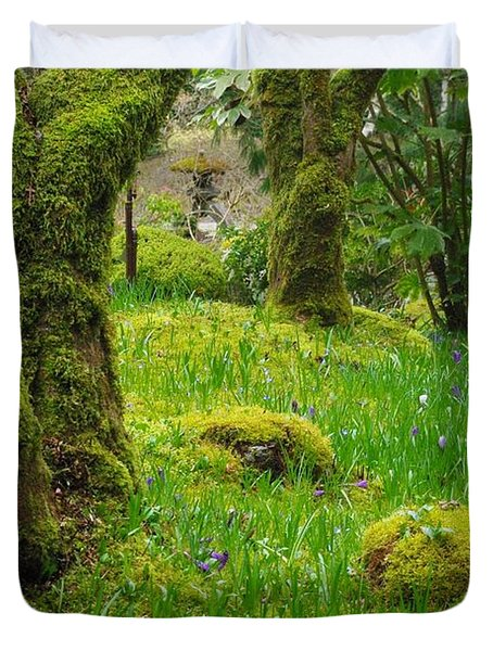 Duvet Cover featuring the photograph Butchart Gardens - Vancouver Island by Marilyn Wilson