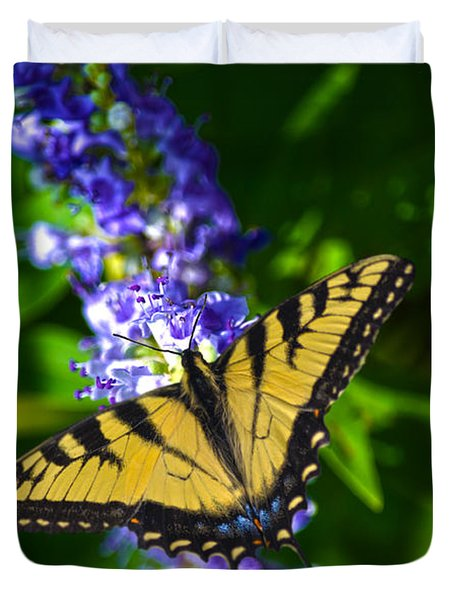 Butterflly Bush And The Swallowtail Duvet Cover by Sandi OReilly