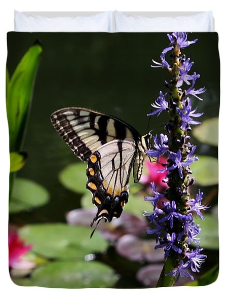 Butterfly At Lunch Duvet Cover by Marilyn Carlyle Greiner