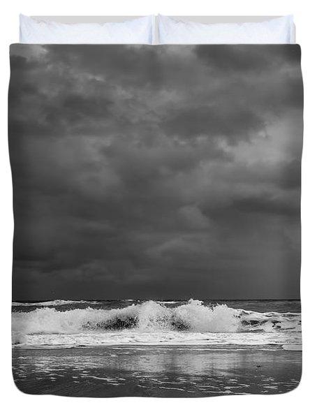 Bw Stormy Seascape Duvet Cover