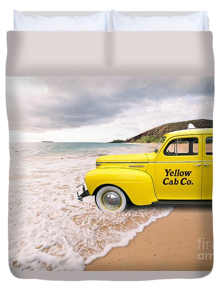 Cab Fare To Maui Duvet Cover by Edward Fielding