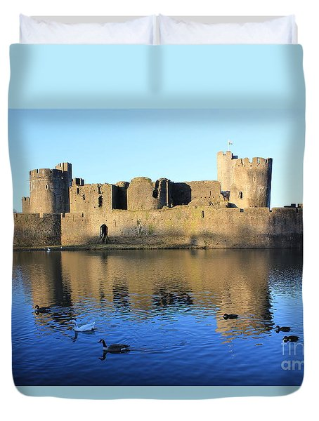 Duvet Cover featuring the photograph Caerphilly Castle by Vicki Spindler