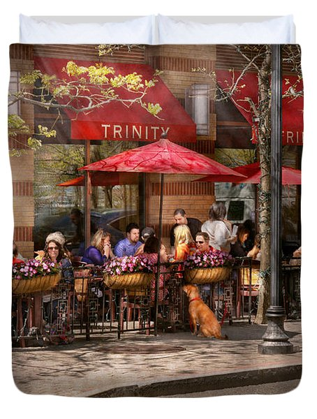Cafe - Hoboken Nj - Cafe Trinity  Duvet Cover by Mike Savad