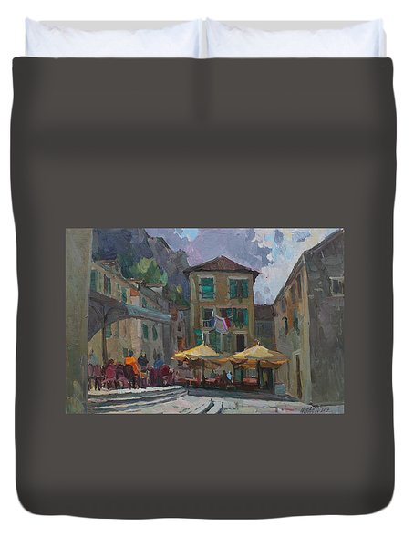 Cafe In Old City Duvet Cover
