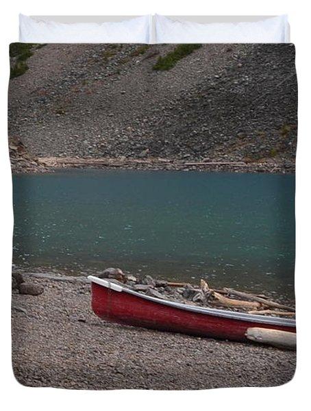 Canoe At Moraine Lake Duvet Cover