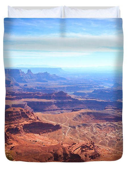 Duvet Cover featuring the photograph Canyonlands - A Landscape To Get Lost In by Peta Thames