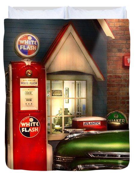Car - Station - White Flash Gasoline Duvet Cover