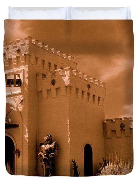 Duvet Cover featuring the photograph Castle By The Road by Rodney Lee Williams