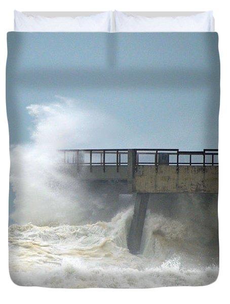 0828 Cat 1 Hurricane Isaac Crashes Into Navarre Beach Pier Duvet Cover