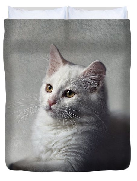 Duvet Cover featuring the photograph Cat On Texture - 02 by Raffaella Lunelli