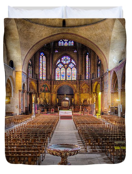 Duvet Cover featuring the photograph Cathedrale Saint-etienne Interior / Cahors by Barry O Carroll